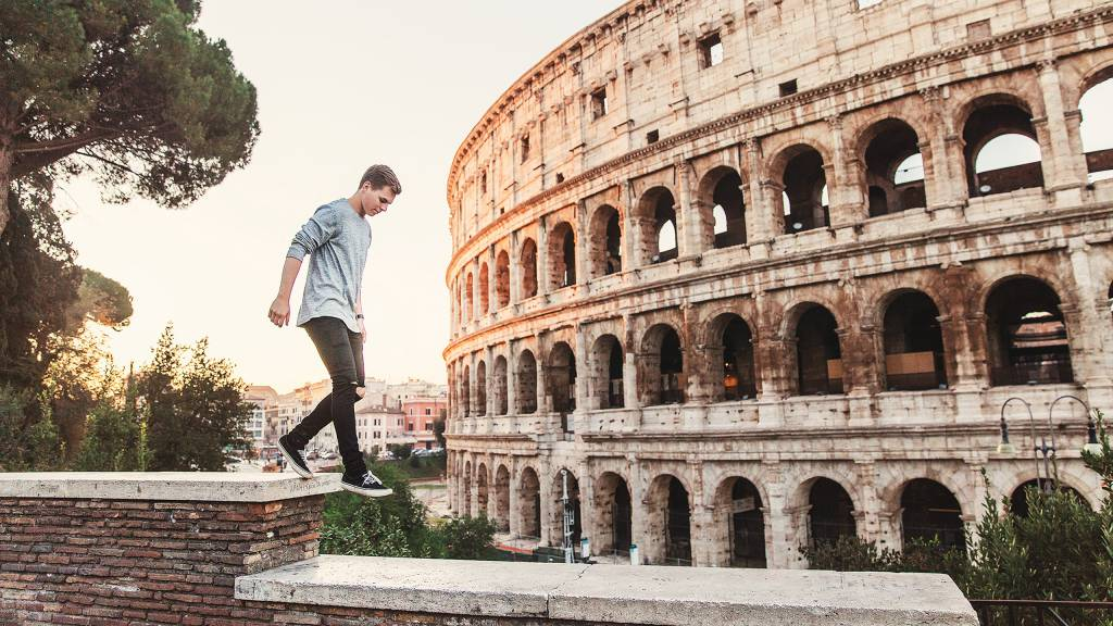 American-Palace-Hotel-Rome-colosseum