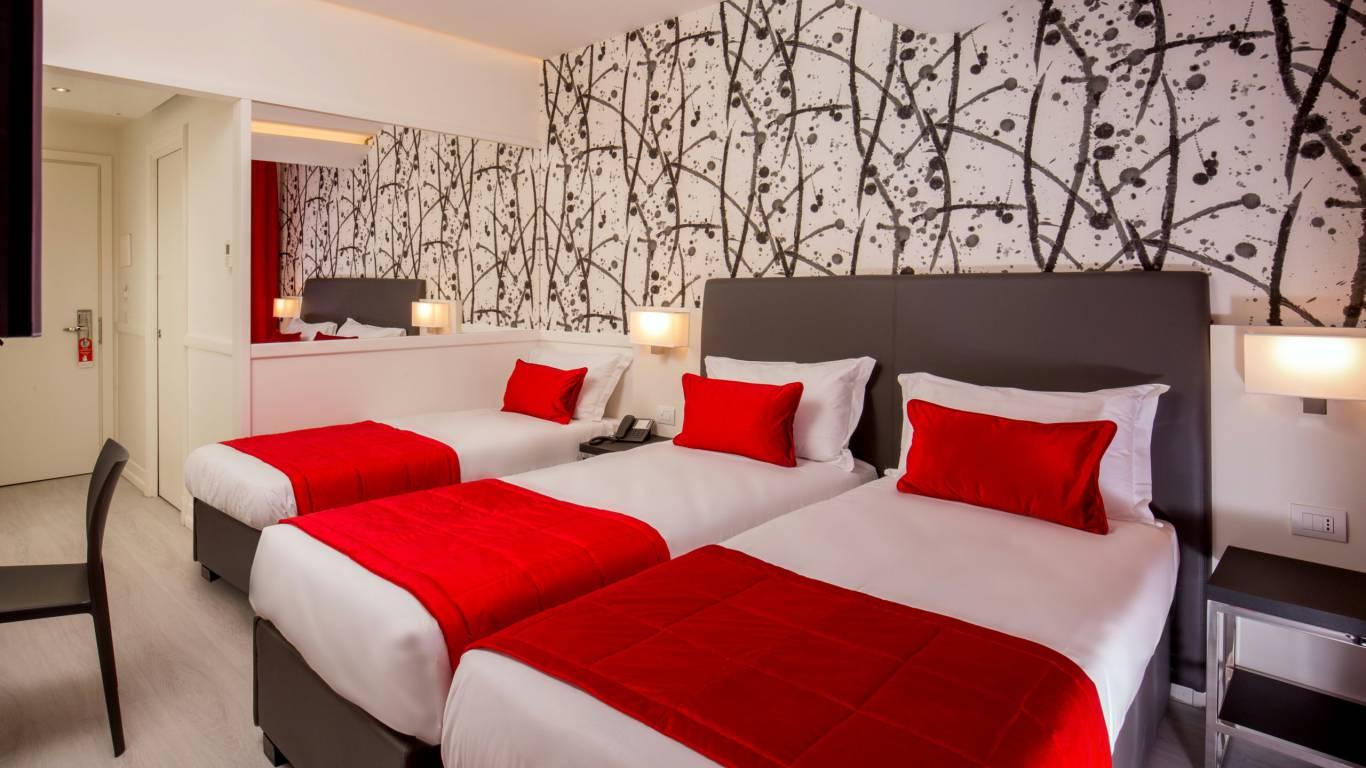 American-Palace-Hotel-Rome-triple-room-IMG-9152